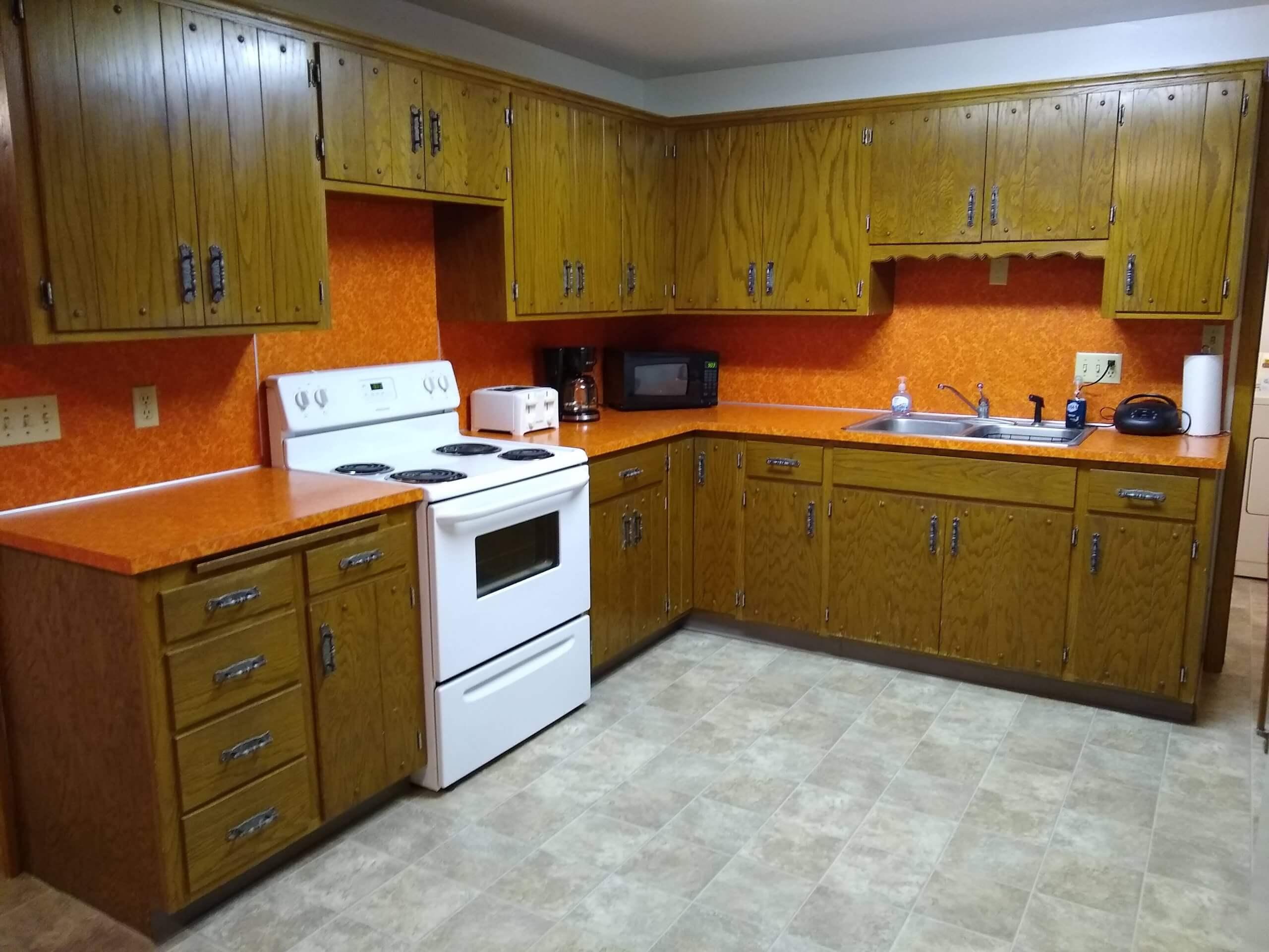 Spring Creek Cabin kitchen